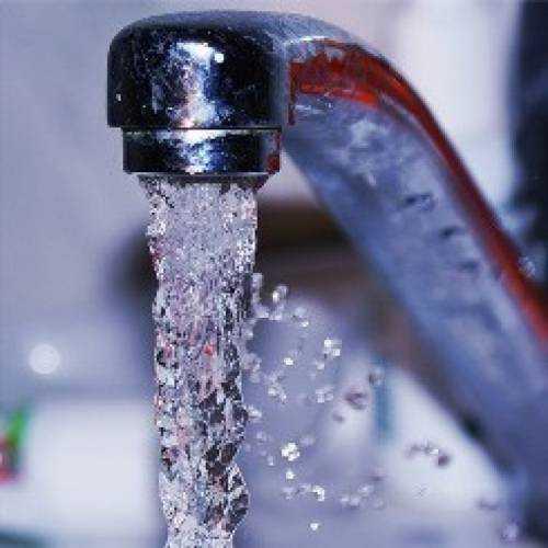 Какую воду нужно пить детям и взрослым: сырую или кипяченую, фильтрованную или бутилированную, вред и польза очищенной воды, Азбука здоровья