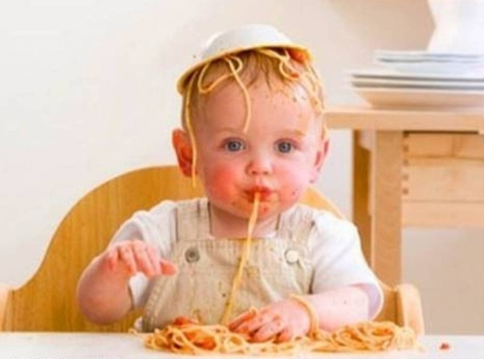 ребенок 1.5 года много ест